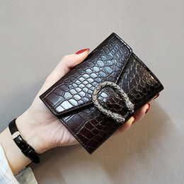 Тянуть кошелек онлайн-2019 новый ретро японская и корейская версия дикого шаблона бумажника женского короткий участок крокодила тянуть небольшой кошелек простых дам кошелька