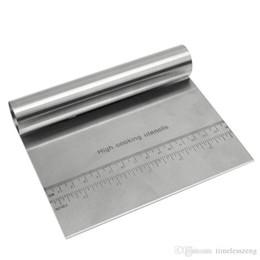 Échelle de pâtisserie en Ligne-Couteau à gateaux en acier inoxydable avec échelle