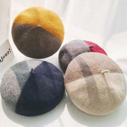 Estilo quente 2018 correspondência cor boina queda / inverno de lã quente chapéu todo-moda feminina tendência estudante pintor chapéu de abóbora de Fornecedores de uniformes de cozinha