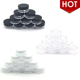 2020 небольшие прозрачные круглые пластиковые контейнеры 100шт 3 гр Jar Jar Макияж Косметики Образец Пустая пластиковый контейнер круглая крышка бутылочка с черным White Clear Cap дешево небольшие прозрачные круглые пластиковые контейнеры