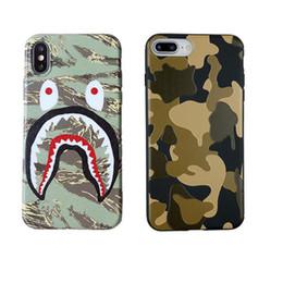 camouflage iphone skin Promotion 3D Cartoon Designer cas de téléphone de luxe pour iphone X XR XS MAX 8 7 6 6 s, plus doux TPU Defender Camouflage Shark Protecteur cas coque peau GZ254