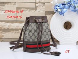 Canada 2019 nouveaux sacs de L expédition libre sacs à main de haute qualité de femme, sac à bandoulière de concepteur haut de gamme L69 Offre