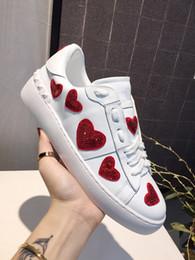 2019 роскошные дизайнерские мужские и женские кроссовки повседневная обувь низкая, чтобы помочь итальянская марка обуви ходьба спортивные кроссовки xy cheap italian sneakers men от Поставщики итальянские тапочки мужчины