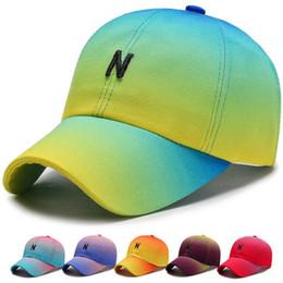 2019 sombreros de sol de colores para las mujeres 6 colores moda hombres / mujeres 3D bordado colorido gorra de béisbol deportes al aire libre y ocio Snapback sombreros transpirable protección solar sombrero para el sol sombreros de sol de colores para las mujeres baratos