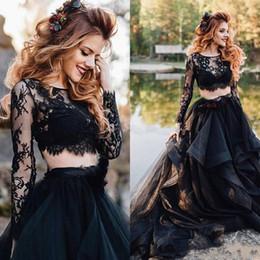 Saia de renda preta manga longa vestido on-line-2020 Long Sleeve Gothic Two Pieces Wedding Preto Vestidos Vintage Lace Top Ruffles Skirt A Bridal linha de vestidos personalizados Plus Size