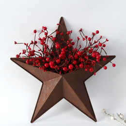 paese natale decor Sconti Natale Bacche Indoor Decoration Rusty Star Country Home Decor Stella Faux bacche Vaso Artigianato Paese metallo Barn Stella della decorazione della parete