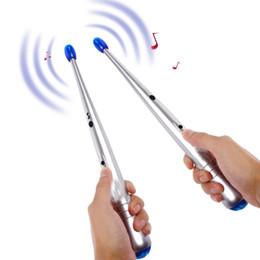 2020 presente novidade eletrônica Dedo Novel eletrônico Air percussão Baqueta indutivo da vara Rhythm Air Stix Kit novidade presente Kid Educacional Toy Musical 2pcs / LA342 set desconto presente novidade eletrônica