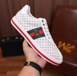 Canada 2019 mens designer chaussures de luxe blanc Casual Bee Girls femmes baskets cuir broderie G abeille coq tigre Marque Chaussures taille 35-46 cheap embroidery for girls Offre