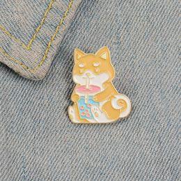 Te tibet online-Perro del esmalte animales broches de patillas para las mujeres ropa de perro Pin leche de consumo del té de la historieta de la solapa akita morral lindo regalo de la joyería para el amigo