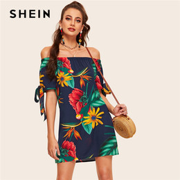2019 manchette d'épaule SHEIN Au large de l'épaule Floral Print Knot Cuff Dress 2019 Boho Summer Straight Dress manches courtes Shift Femmes promotion manchette d'épaule