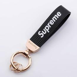 Moda universal de alta qualidade chave de couro personalidade cadeia carro criativo chave carro pingente de jóias anel de personalidade carro de Fornecedores de sacos rainha