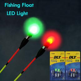 2019 angeln nacht lichtstock 2 teile / paket Fischen Float Light Stick Grün / Rot Mit 311 Batterie LED Leucht Float Für Dunkles Wasser Nachtfischen Zubehör rabatt angeln nacht lichtstock
