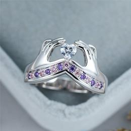 2020 silberner ring kleine steine Einzigartige Weibliche Hand Kleine Herzzircon Ring Niedlich Silber gefüllt Lila rosa Stein-Ring Mode-Liebe-Wedding-Ringe für Frauen rabatt silberner ring kleine steine