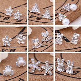 2019 lo stile coreano di modo dell'orecchino all'ingrosso 62pairs / Lot, 45 stili Orecchini di diamanti creativi coreani di moda Nuovi orecchini a bottone di perle Accessori di vendita caldi Orecchini all'ingrosso di gioielli lo stile coreano di modo dell'orecchino all'ingrosso economici