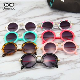 models for photography Coupons - Umanco 2019 New Round Colorful Sunglasses For Children Fashion Brand Model Kids Glasses Design Street Photography Birthday Gifts