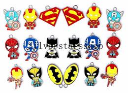 Supereroi metallici giocattoli online-Commercio all'ingrosso 100 pezzi Mix Cartoon Supereroe The Avengers Classic Character Metallo pendenti di fascino monili che fanno il regalo del giocattolo