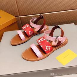 2019 chaussures de mariage de plage noir Les 2109 nouvelles chaussures flop flip d'impression en cuir véritable concepteur sandales pour femmes de luxe de la mode d'été Classics flats sandales de plage avec boîte d'origine