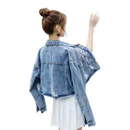 2019 jaqueta de vestuário feminino denim curto 2019 Nova Jaqueta Jeans Feminina Primavera Versão Coreana de Hong Kong Gosto Estudante Denim Roupas Femininas Curtas Soltas Camisa Versátil jaqueta de vestuário feminino denim curto barato