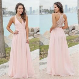 Vestido de dama de honor largo rosa bohemio online-Bohemio Blushing Pink Bridesmaids Vestidos Sexy Cuello En V Applique Gasa Larga Boda Vestidos de invitados Barato personalizado