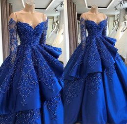2019 Off The Shoulder Satin Quinceanera Vestido de Manga Longa Bordado Frisado Em Camadas Vestido de Baile Sweep Train Partido Princesa Vestidos de Noite de