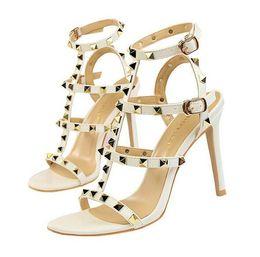 2019 sandalias de tacón alto sexy para mujer Para mujer zapatillas de gladiador diseñador sandalias remache negro desnudo de lujo sexy extrema tacones altos bombas des sandales rebajas sandalias de tacón alto sexy para mujer