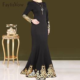 abaya kaftan stil Rabatt Stil Muslimische Frauen Kleid Gold Stamping Langarm Dubai Abaya Kleider Kaftan Schwarze Robe Islamische Moslemische Kleidung