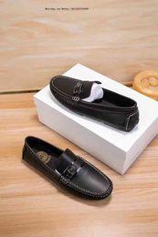 Primera talla elegante para caballeros de los hombres de marca de gama alta con zapatillas casuales para hombres desde fabricantes