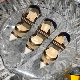 Donne sandali chic online-The latest women Splicing shoes,Splicing mesh breathable sandals, Chic metallic heels,With a full range of packaging