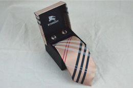 Мужчина галстук красный онлайн-Новый дизайнер мужской бренд формальный бизнес свадьба классический мужские пейсли галстуки шелковые шеи галстук аксессуары для мужчин новинка золотой красный галстук
