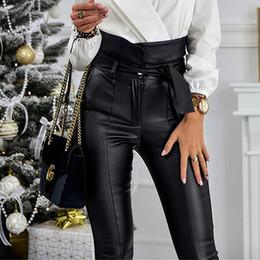 2019 calças de cintura alta cintura Cinto de ouro Lápis de Cintura Alta Calça Mulheres Faux Couro PU Caixilhos Calças Compridas Casual Sexy Design Exclusivo de Moda calças de cintura alta cintura barato