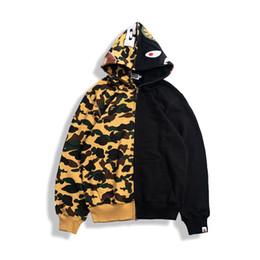 Homens amarelos hoodie on-line-BAPE Mens Designer Homens Mulheres Moda Designer Hoodies Jacket BAPE homens de alta qualidade outerwear casual Yellow Jacket costura preta