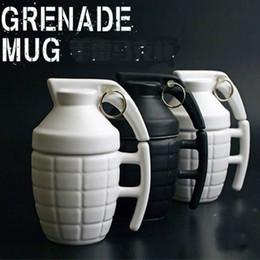 2020 granadas de água Criativo Novidade Caneca Engraçado Grenade Projetado Cerâmica Caneca De Café De Água Copo com Uma Tampa Namorado PRESENTE H 14.5 cm 280 ml desconto granadas de água