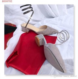 Canada Rugueux avec des sandales baotou Nouveau style Bout en cuir de soie et velours soyeux Ruban et sandales à diamants d'eau Offre
