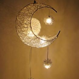 Décorations art déco en Ligne-Moderne LED Pendentif Plafond Lampes Moon Star Lustre Suspension Lampe Décorations De Noël Pour Enfants Enfants Accueil Luminaire Luminaire
