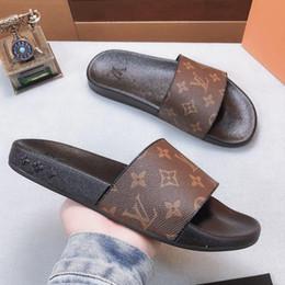 Sandalias zapatos para hombre online-Hombre / mujer Zapatillas Sandalias Zapatos de diseño Diapositivas Zapatos de diseño Diseño animal Huaraches Chancletas con mocasines Tamaño de caja: 35-45 por toy99 02