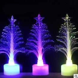 2020 árvore de fibra óptica 1pc Mudar Fibra Óptica LED Night Light-Up Toy lâmpada a pilhas pequeno partido da árvore de Natal Luz Decor Romantic Cor árvore de fibra óptica barato
