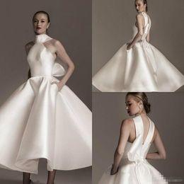 vestido de boda de bolsillos arco Rebajas Elegante Cuello alto 2019 Vestidos de novia de satén blanco con bolsillos Volantes Arco Vestidos de novia de satén Por encargo Moda Corto Vestido de novia