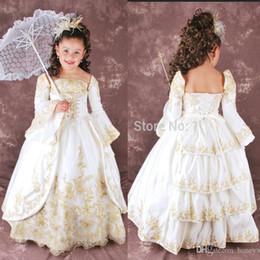 2019 маленькие девочки красные платья невесты Урожай Gorgeous цветок девочки платья для свадьбы с длиной Длинные рукава Золото аппликациями пола Дети Первое причастие платье на заказ размере
