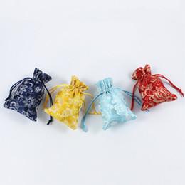 2019 joyas de seda bordada Bolsas de joyería con cordón de porcelana azul y blanca Banquete de boda Bolsa de seda de estilo chino Flor de loto Regalos bordados Bolsas joyas de seda bordada baratos