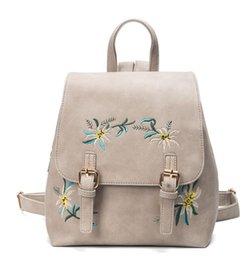 Nouveau 2018 sac à dos brodé femme en cuir PU mode ethnique coloré brodé fleurs double sac à bandoulière livraison gratuite ? partir de fabricateur