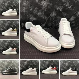 sapatas de vestido da lona dos homens Desconto 2019 Designer De Luxo Vermelho Preto Branco Plataforma Clássico Sapatos Casuais Sapatos de Couro Ocasional Vestido de Lona Mens Das Mulheres Tênis Esportivos 36-44