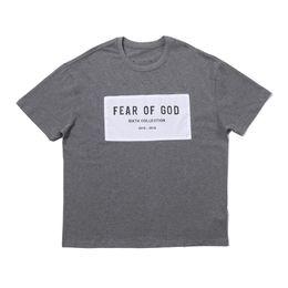Argentina 19SS FOG Fear of God sexta colección Grey TEE Hip Hop Street Skateboard T-shirt Verano Hombres Mujeres Moda casual manga corta Tee HFYMTX506 Suministro