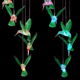 pájaro volador de juguete al por mayor Rebajas Color cambiante LED Solar Wind Chime Light colibríes solares / libélula colgando al aire libre campana de viento lámpara decorativa para el jardín decoración para el hogar