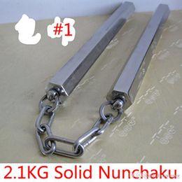 Twist de bambou en Ligne-2,1 kg solides bâtons torsadés en acier inoxydable hexagonal Nunchaku 2100g compétence de combat réelle bambou Nunchakus bâtons livraison DHL