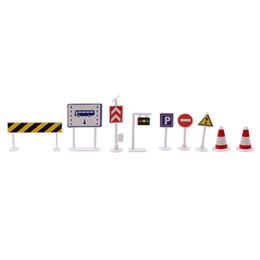 2019 metallguss 9 teile / los DIY Mini Wegweiser Verkehrsszene Lernspielzeug Günstige Auto Spielzeug Geschenk Für Kinder Ampel Zeichen Modell Spielzeug