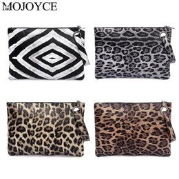 print checkbook Promo Codes - Casual Women Animal Print Clutch Female Fashion Design Leopard Print Portable Wristlet Clutch Women Wallet PU Leather Coin Purse