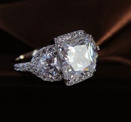 2020 silberner ring kleine steine Luxus Weiblicher Small Square-Herz-Ring 925 Silber Lieber Verlobungsring Weinlese Zircon-Stein-Hochzeit Ringe für Frauen günstig silberner ring kleine steine