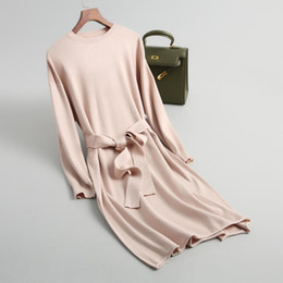 abiti lavorati a maglia di lana Sconti Nice New Autunno / Inverno Fashion Lace Knitting Dress Closed Show Thin cintura a vita manica lunga abito di lana di colore puro di lavoro a maglia