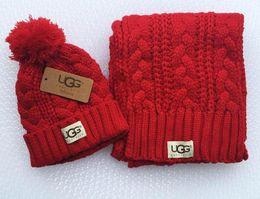 Zwillingsschals online-2020 heiße Modemarke Männer und Frauen Winter hohe Qualität warmer Schal Hutklage voll Strickmütze warmweiß