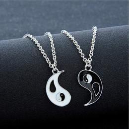 Collar de los amantes del yin yang online-Mejores amigos que cosen collares para amantes Charm Colgante Collar colar masculino Taiji chismes yin yang colgante collar de pareja